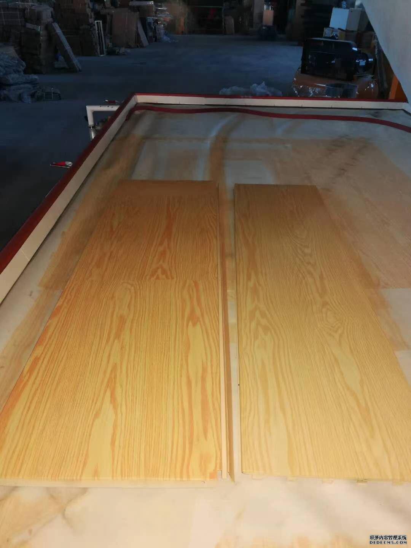 万恒 超市货架木纹转印机生产制造厂家 层板木纹